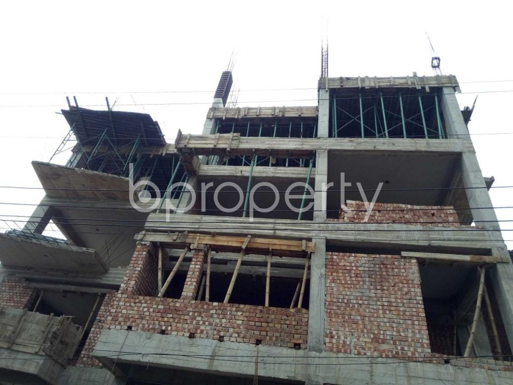 Front view - 3 Bed Apartment for Sale in Bashundhara R-A, Dhaka - 1889122
