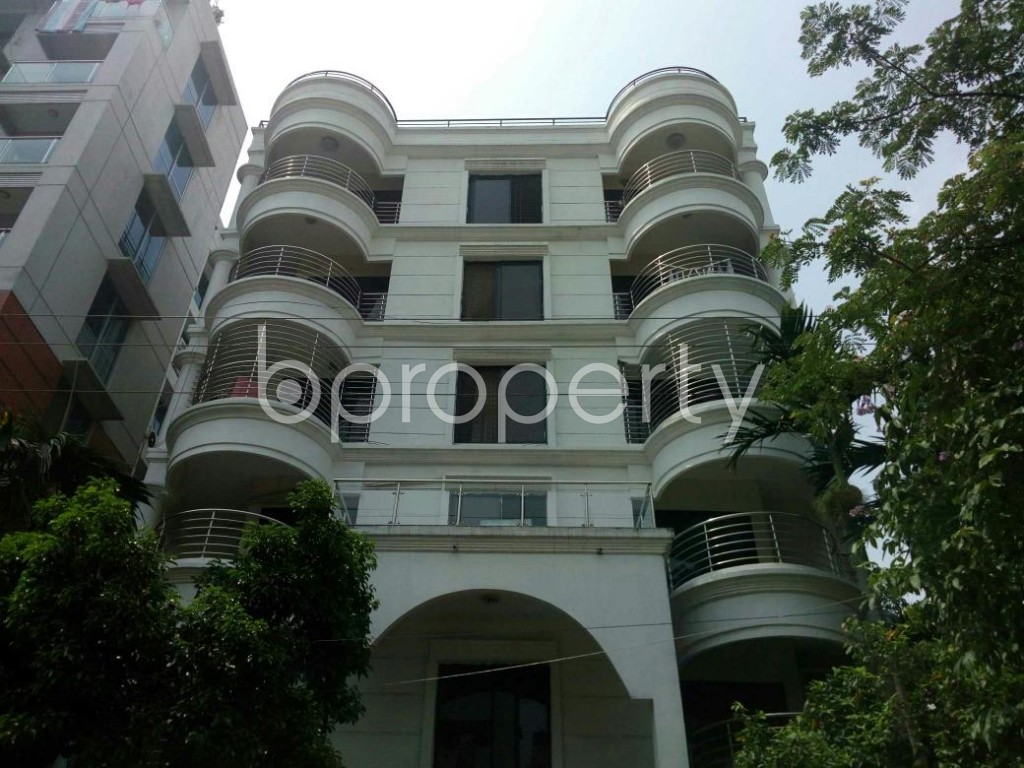 Front view - 3 Bed Apartment for Sale in Bashundhara R-A, Dhaka - 1890627