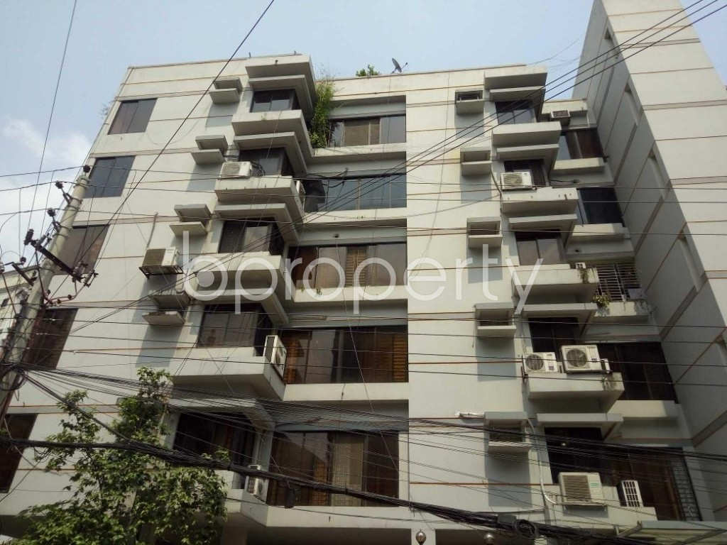 Front view - 3 Bed Apartment to Rent in Gulshan, Dhaka - 1890897