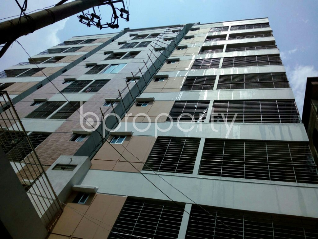 Outside view - 3 Bed Apartment to Rent in Dhanmondi, Dhaka - 1891398