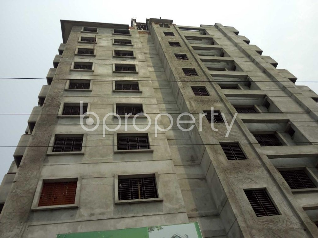 Front view - 6 Bed Apartment for Sale in Bashundhara R-A, Dhaka - 1891902