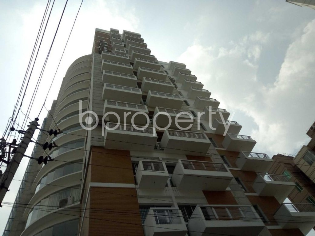 Front view - 4 Bed Apartment for Sale in Bashundhara R-A, Dhaka - 1893127
