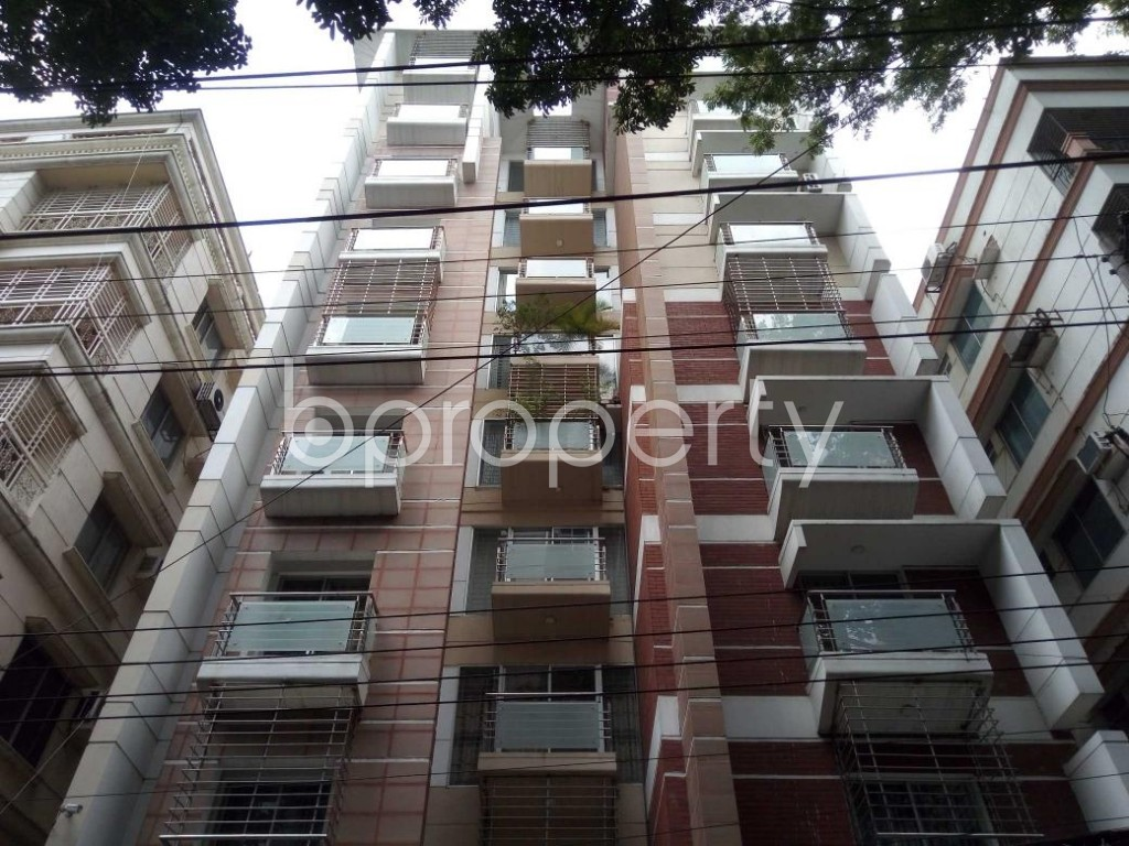 Front view - 3 Bed Apartment to Rent in Banani, Dhaka - 1893202