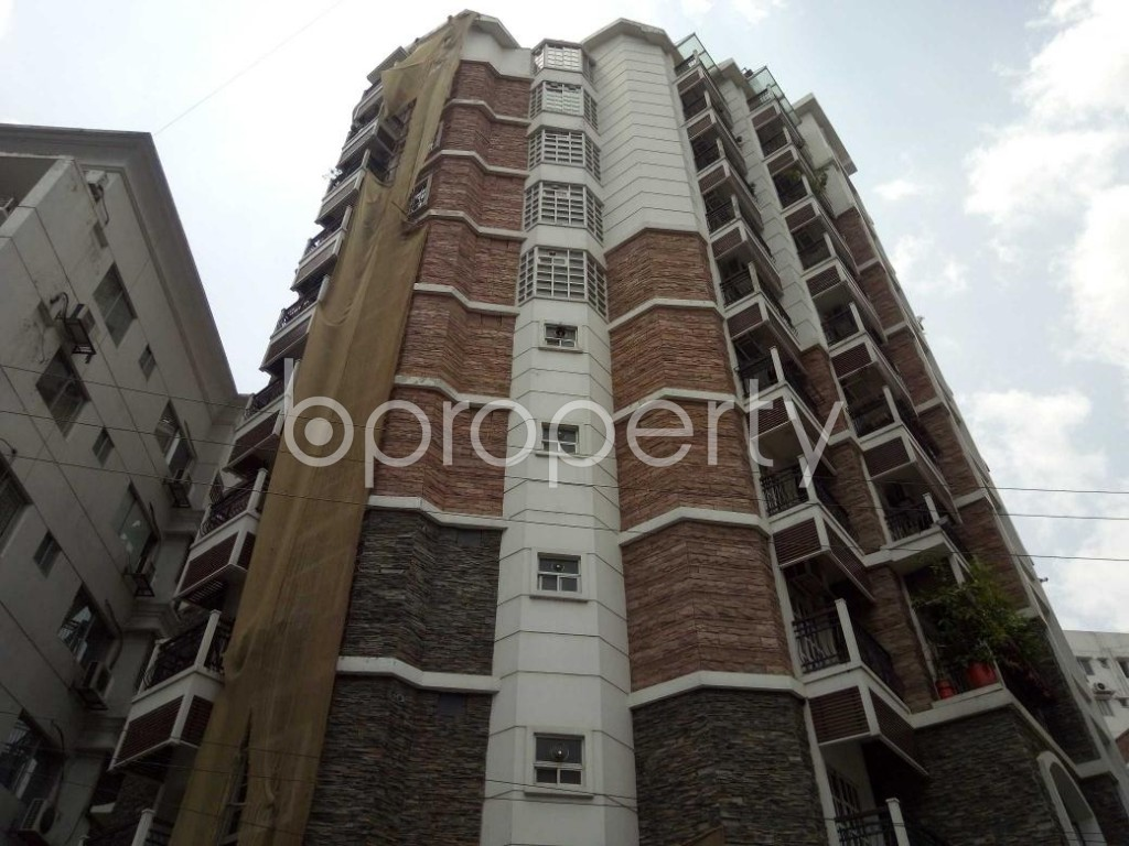 Front view - 3 Bed Apartment to Rent in Gulshan, Dhaka - 1893836