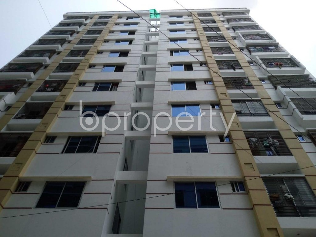 Front view - 3 Bed Apartment to Rent in Mohammadpur, Dhaka - 1893890
