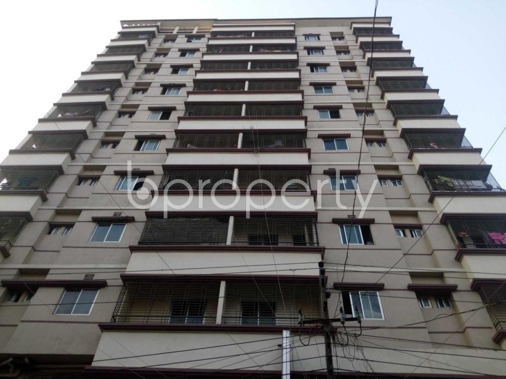 Front view - 3 Bed Apartment to Rent in Mohammadpur, Dhaka - 1894122