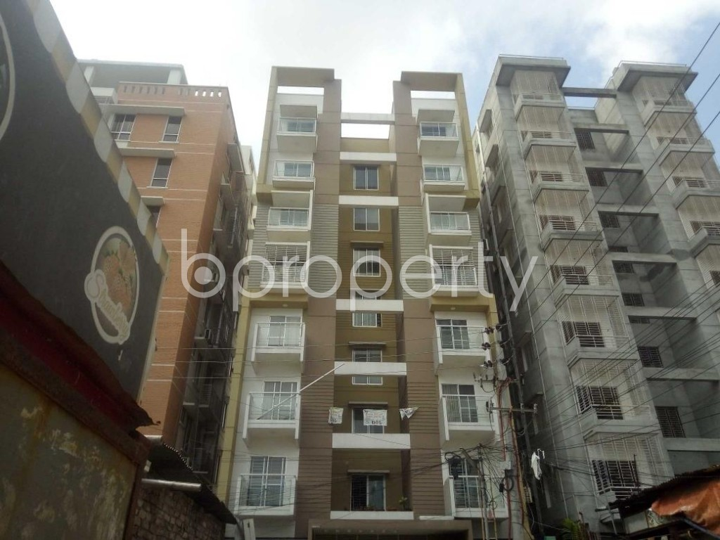 Front view - 3 Bed Apartment to Rent in Baridhara, Dhaka - 1895111