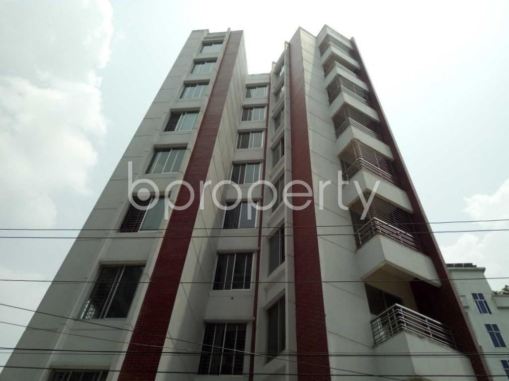Front view - 4 Bed Apartment to Rent in Bashundhara R-A, Dhaka - 1895273