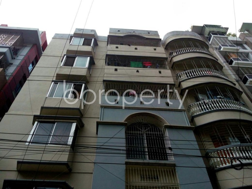 Front view - 3 Bed Apartment to Rent in Bashundhara R-A, Dhaka - 1895387