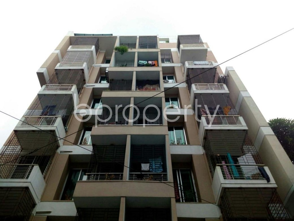 Front view - 3 Bed Apartment to Rent in Bashundhara R-A, Dhaka - 1895428