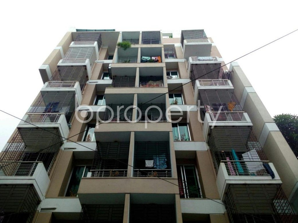 Front view - 3 Bed Apartment to Rent in Bashundhara R-A, Dhaka - 1895436