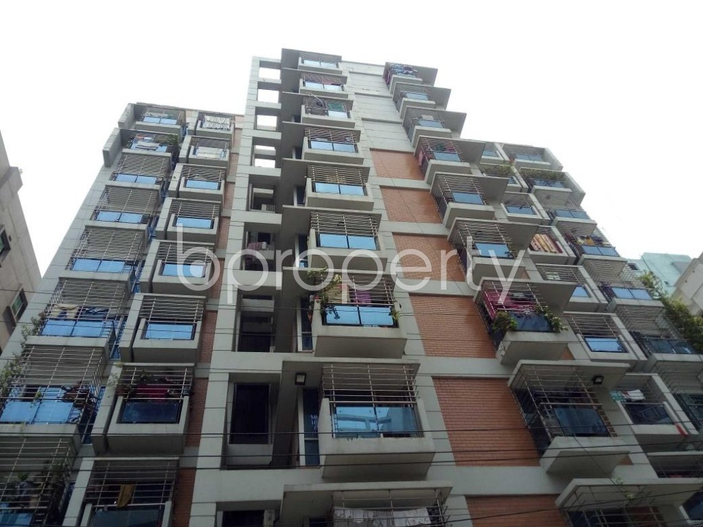 Front view - 3 Bed Apartment to Rent in Bashundhara R-A, Dhaka - 1895471