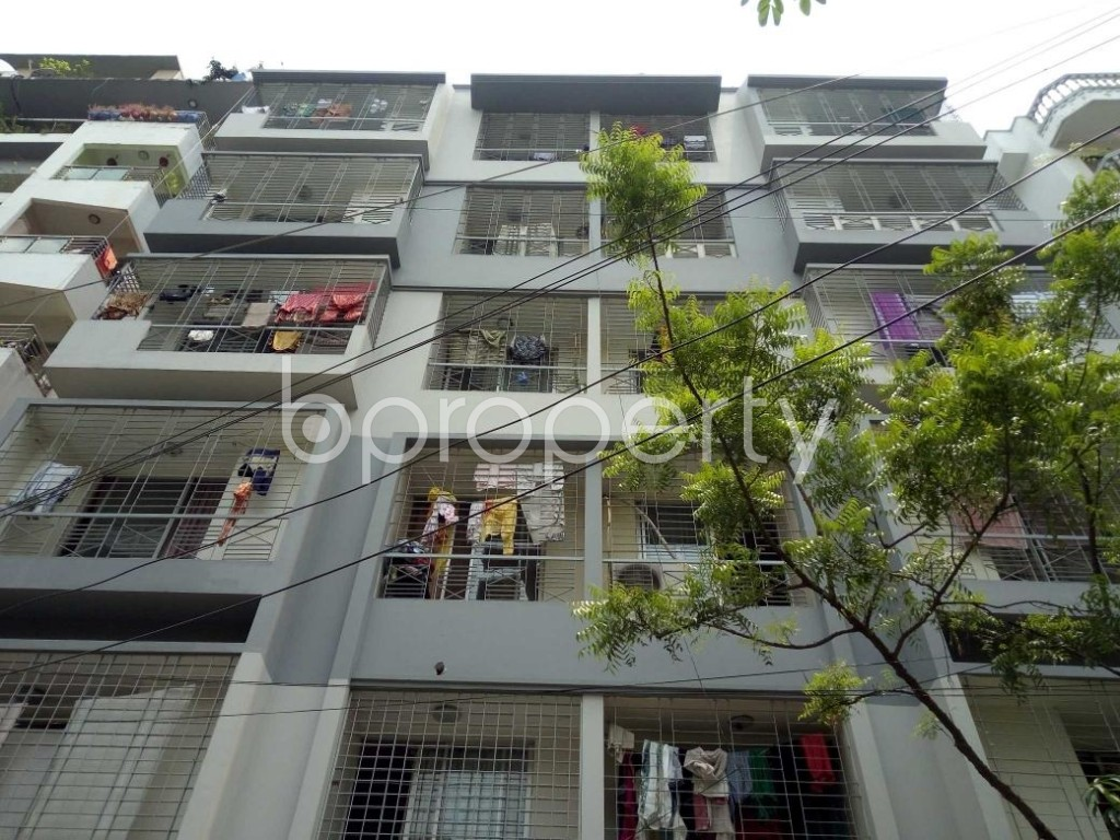 Front view - 3 Bed Apartment to Rent in Bashundhara R-A, Dhaka - 1895475