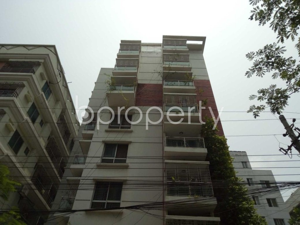 Front view - 3 Bed Apartment to Rent in Bashundhara R-A, Dhaka - 1895483