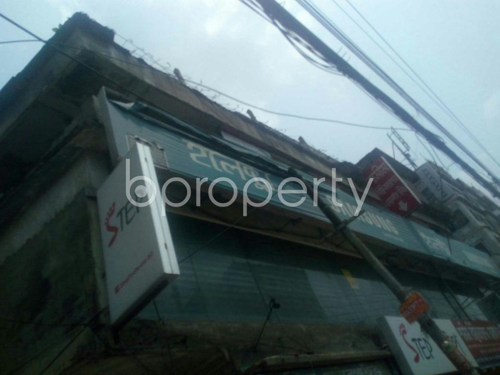 Outside view - Shop to Rent in Rampura, Dhaka - 1895604