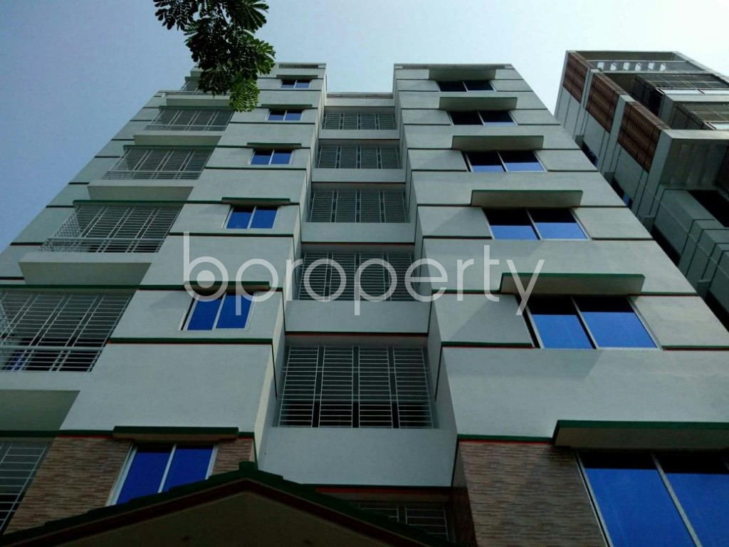 Front view - 5 Bed Apartment to Rent in Bashundhara R-A, Dhaka - 1895655