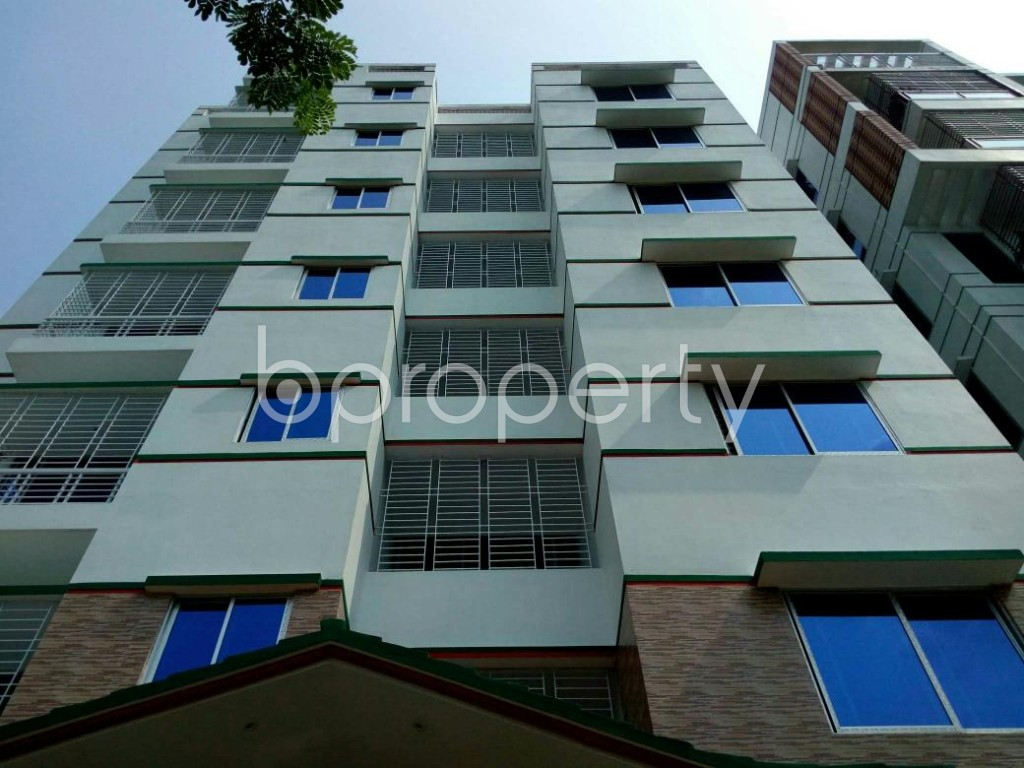 Front view - 5 Bed Apartment to Rent in Bashundhara R-A, Dhaka - 1895660