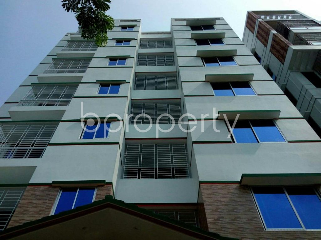 Front view - 6 Bed Apartment to Rent in Bashundhara R-A, Dhaka - 1895753