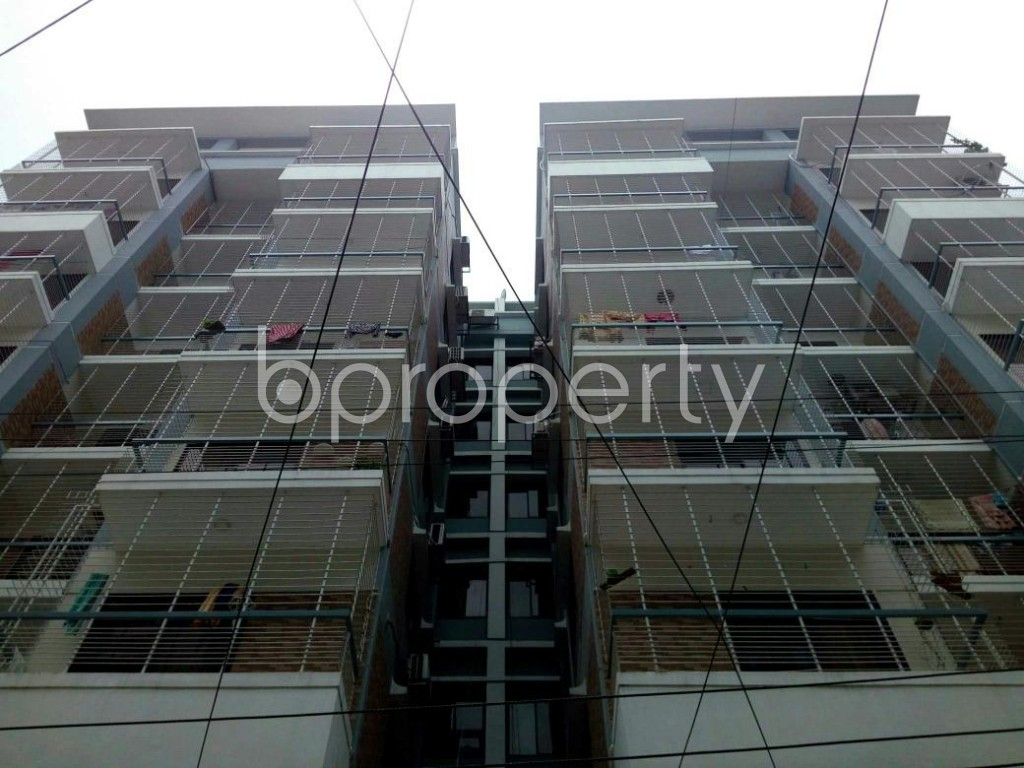 Front view - 3 Bed Apartment to Rent in Bashundhara R-A, Dhaka - 1895777
