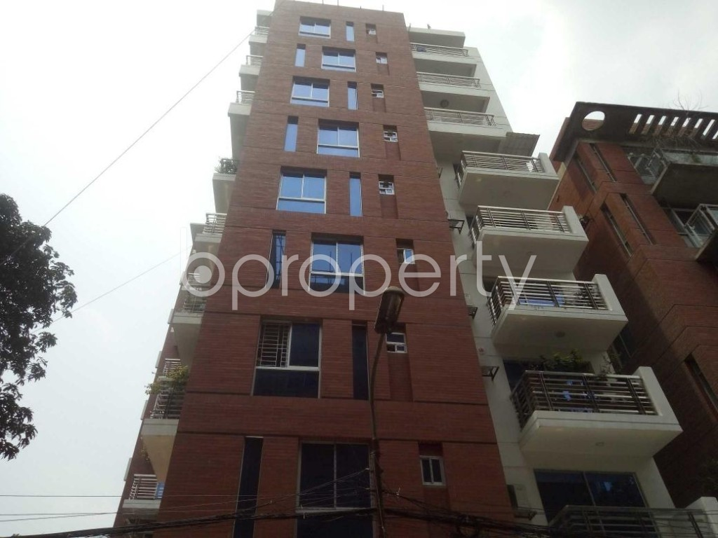 Front view - 3 Bed Apartment to Rent in Banani, Dhaka - 1895831