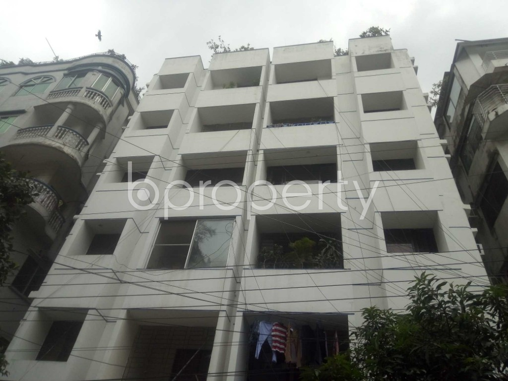 Front view - 3 Bed Apartment to Rent in Baridhara DOHS, Dhaka - 1896507