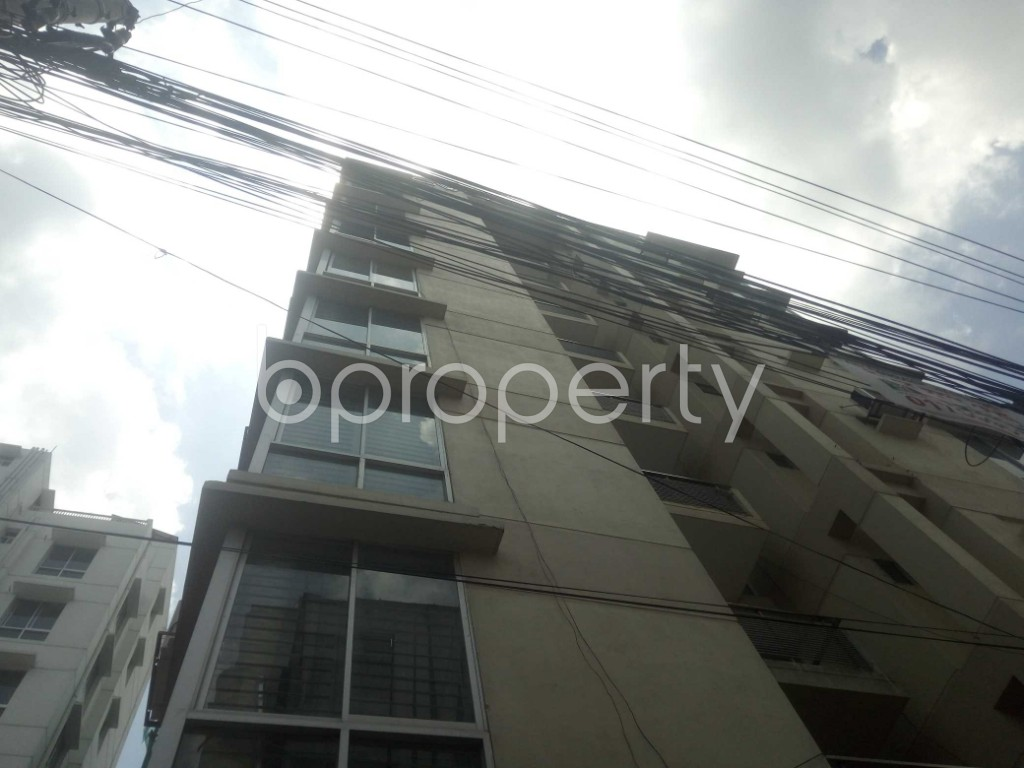 Outside view - 3 Bed Apartment to Rent in Baridhara, Dhaka - 1898351