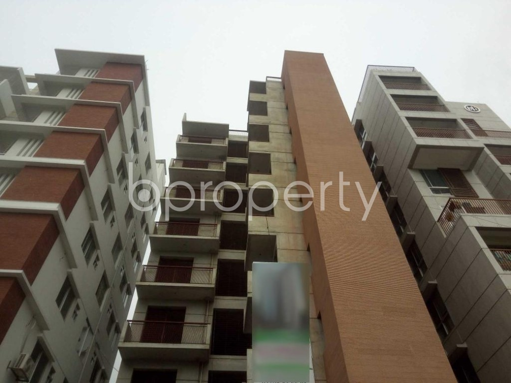 Front view - 3 Bed Apartment for Sale in Baridhara, Dhaka - 1899086
