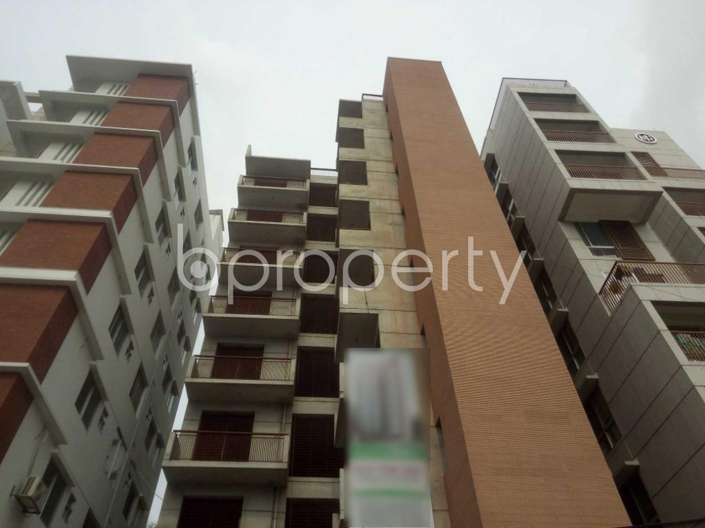 Front view - 3 Bed Apartment for Sale in Baridhara, Dhaka - 1899089
