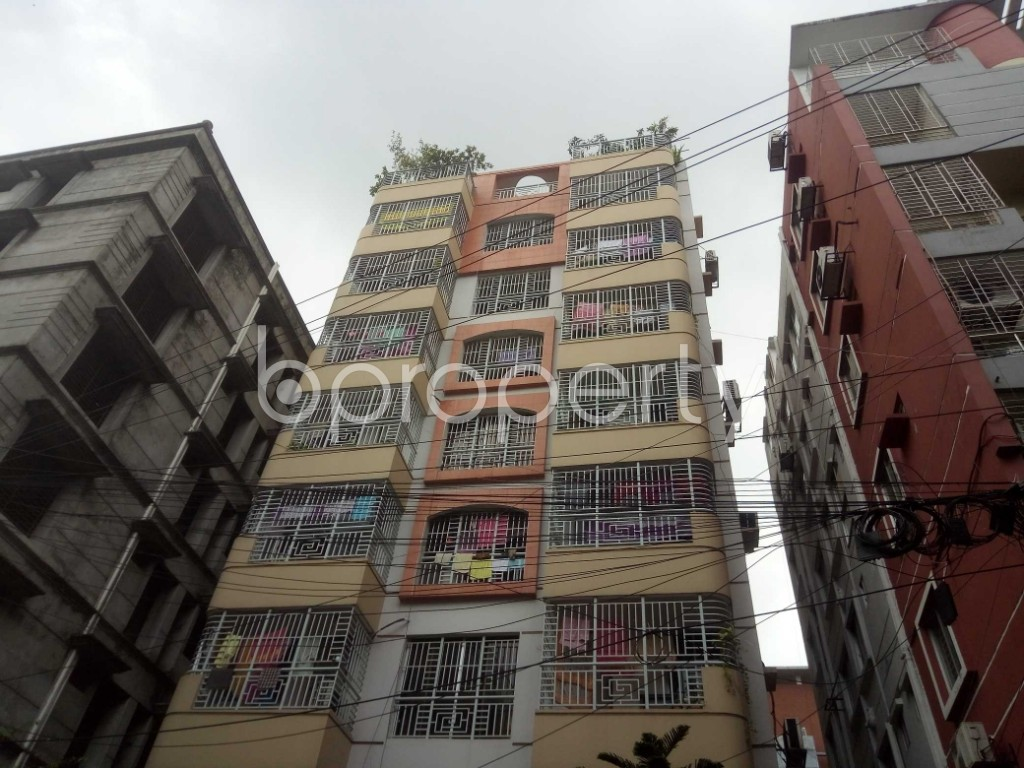 Outside view - 3 Bed Apartment to Rent in Baridhara, Dhaka - 1899963