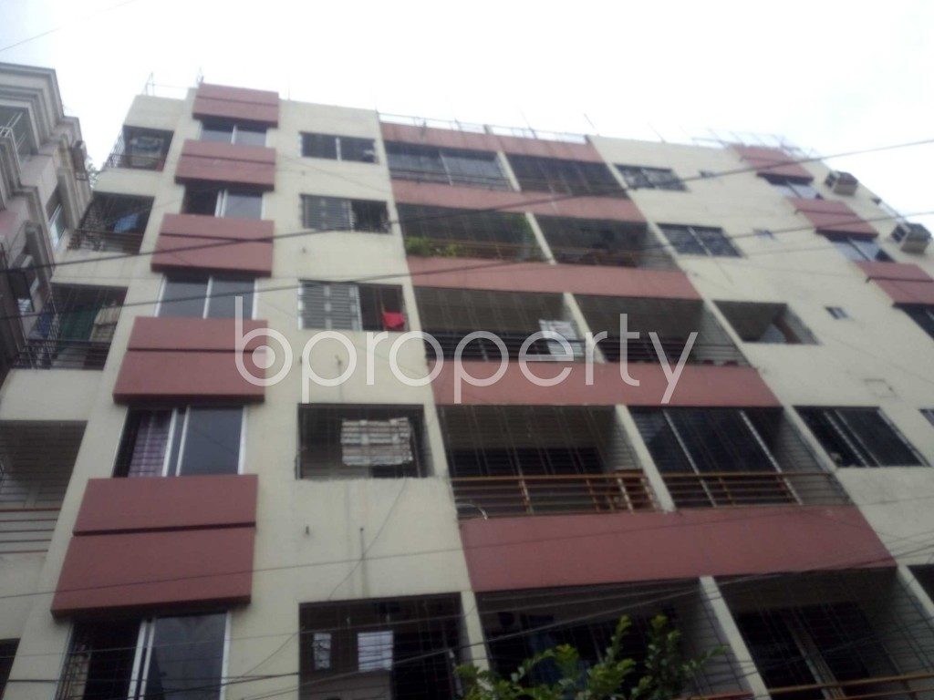 Outside view - 3 Bed Apartment to Rent in Baridhara, Dhaka - 1900048