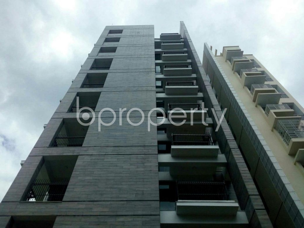 Front view - 3 Bed Apartment for Sale in Bashundhara R-A, Dhaka - 1900710