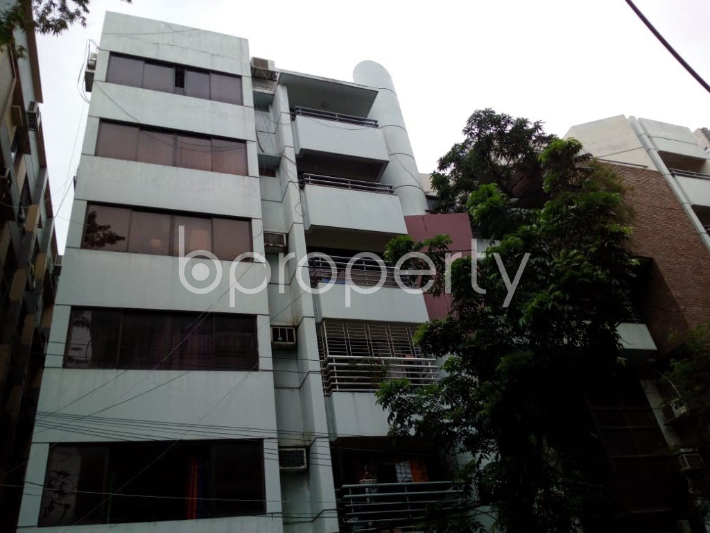 Front view - 4 Bed Apartment to Rent in Dhanmondi, Dhaka - 1900449