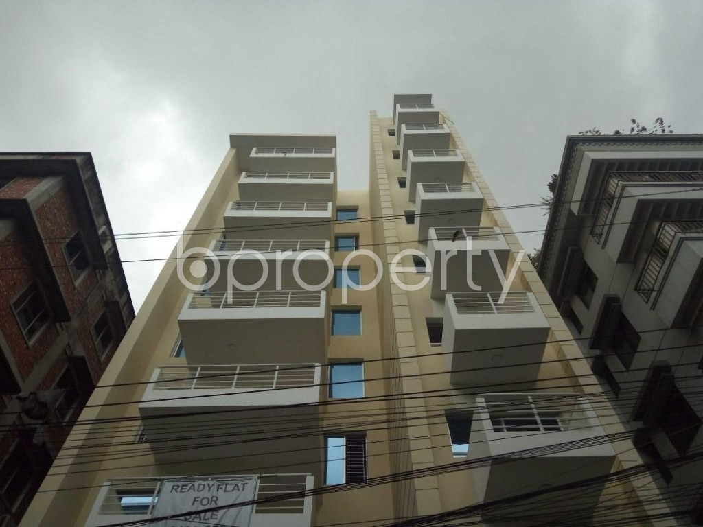 Front view - 4 Bed Apartment for Sale in Bashundhara R-A, Dhaka - 1900839