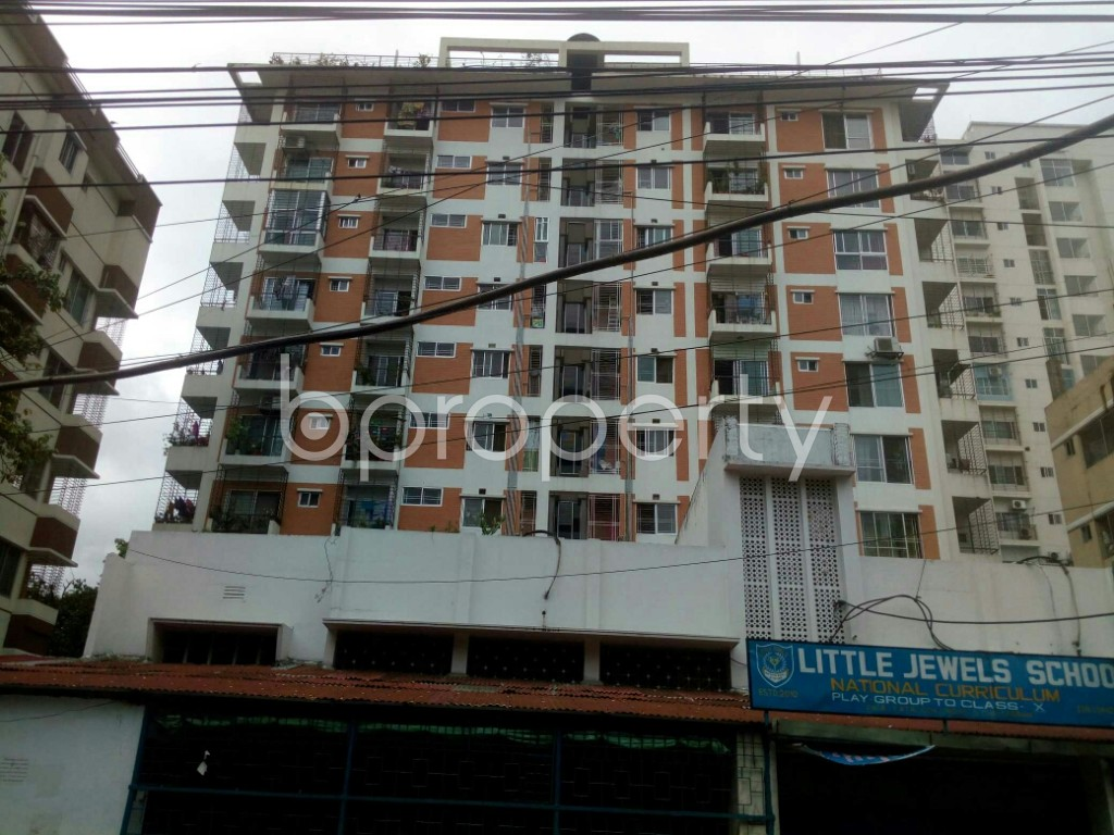 Outside view - 3 Bed Apartment for Sale in 16 No. Chawk Bazaar Ward, Chattogram - 1900888