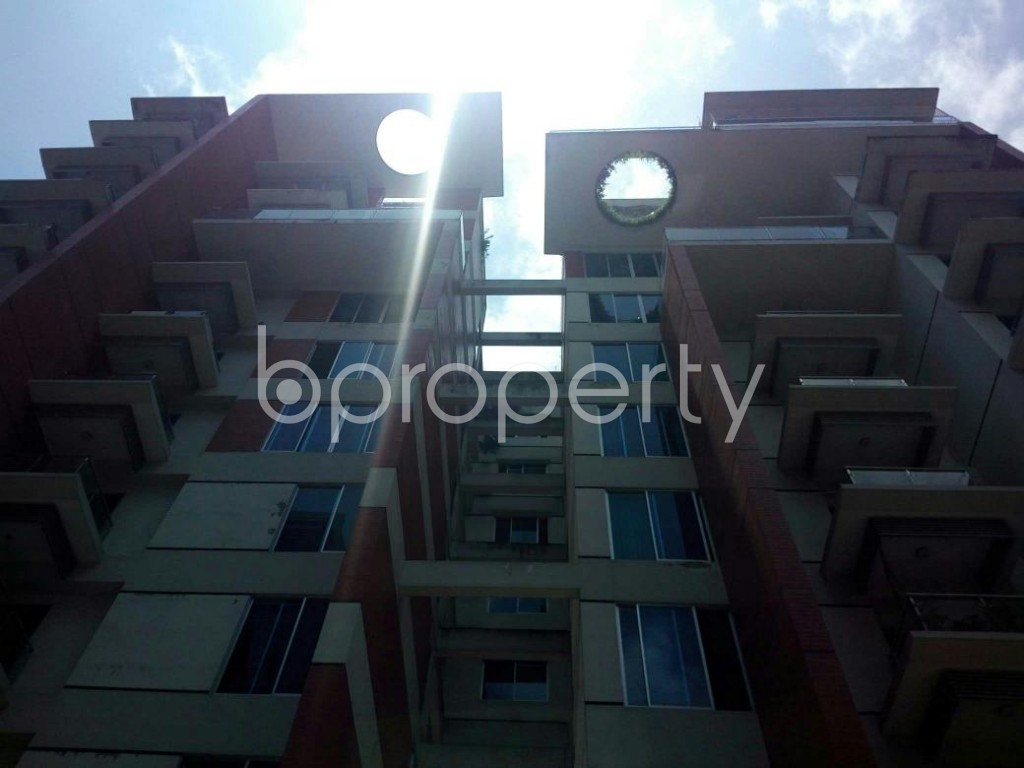 Front view - 3 Bed Apartment for Sale in Bashundhara R-A, Dhaka - 1901497