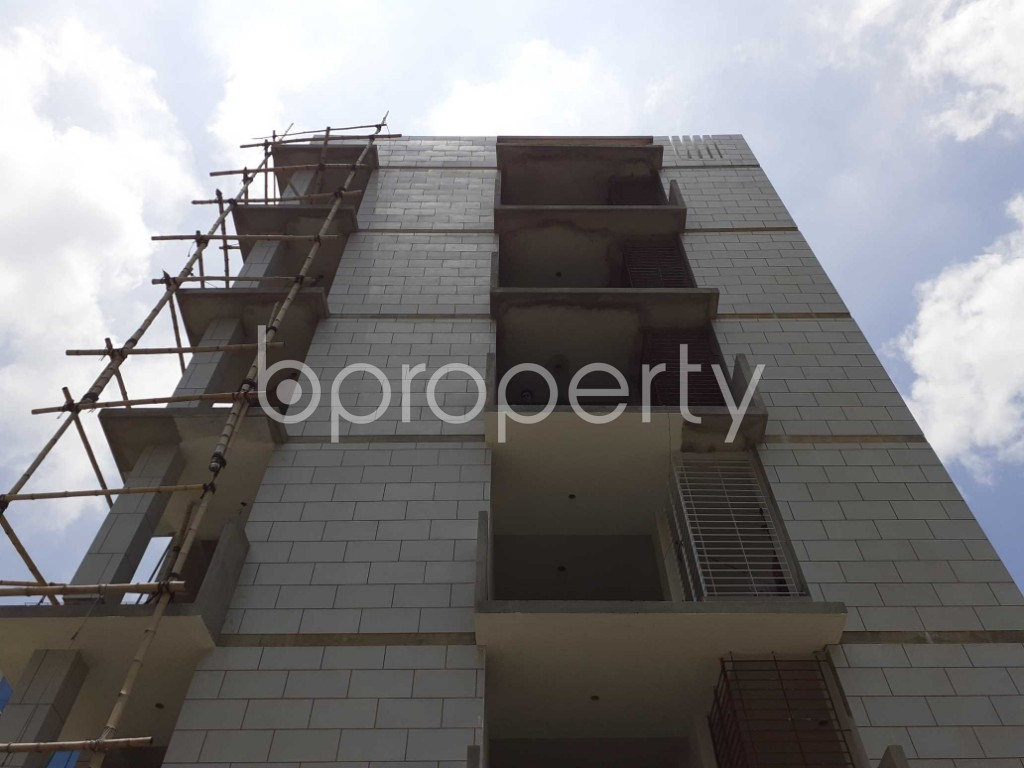 Front view - 3 Bed Apartment for Sale in Bashundhara R-A, Dhaka - 1901625