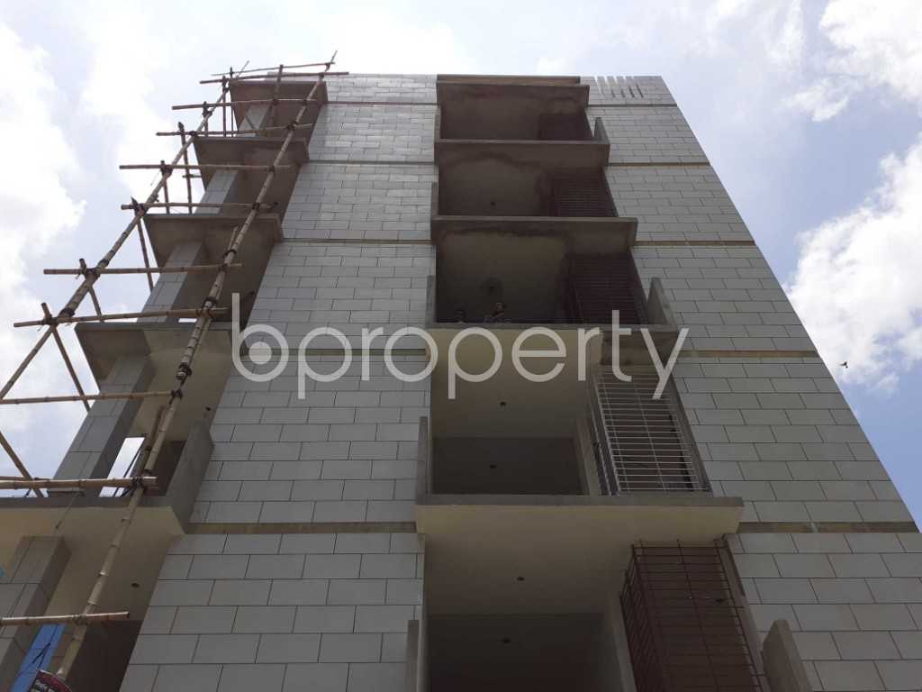 Front view - 3 Bed Apartment for Sale in Bashundhara R-A, Dhaka - 1901624