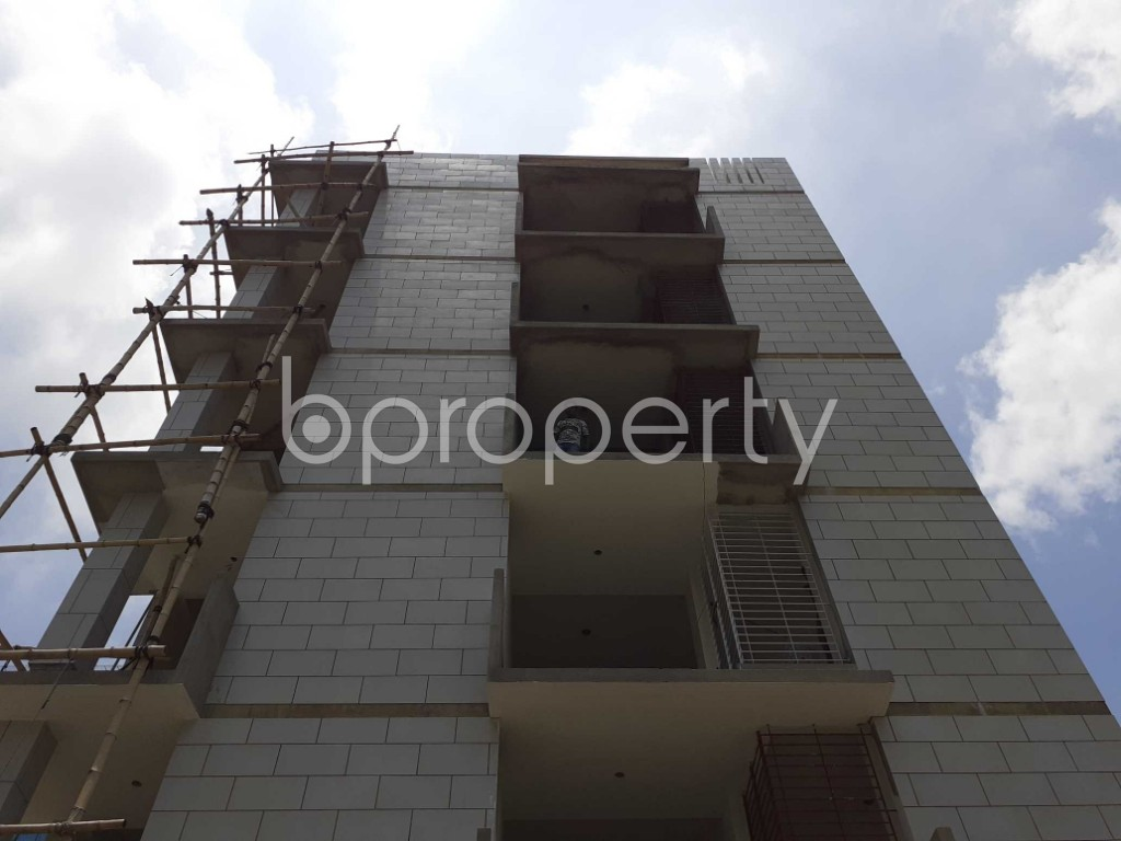Front view - 3 Bed Apartment for Sale in Bashundhara R-A, Dhaka - 1901626