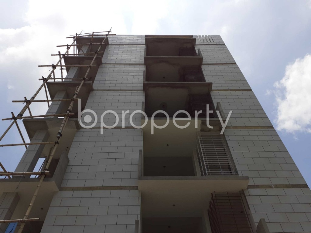 Front view - 3 Bed Apartment for Sale in Bashundhara R-A, Dhaka - 1901627