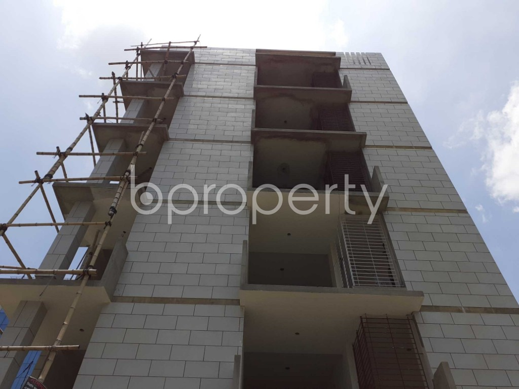 Front view - 3 Bed Apartment for Sale in Bashundhara R-A, Dhaka - 1901628