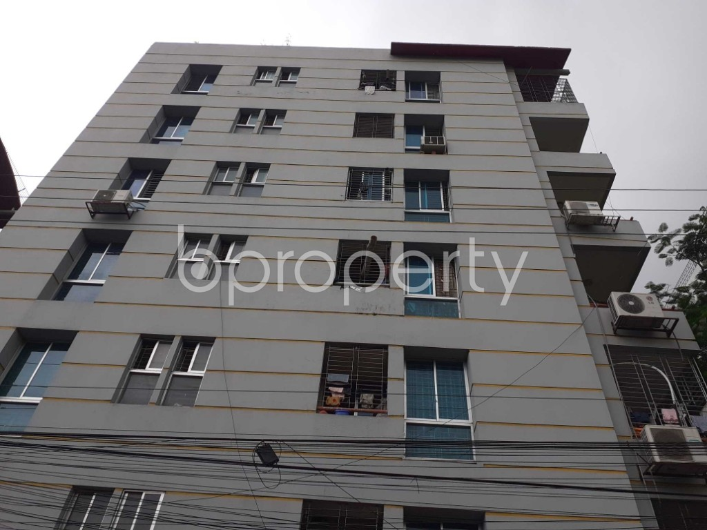 Front view - 4 Bed Apartment for Sale in Bashundhara R-A, Dhaka - 1901994