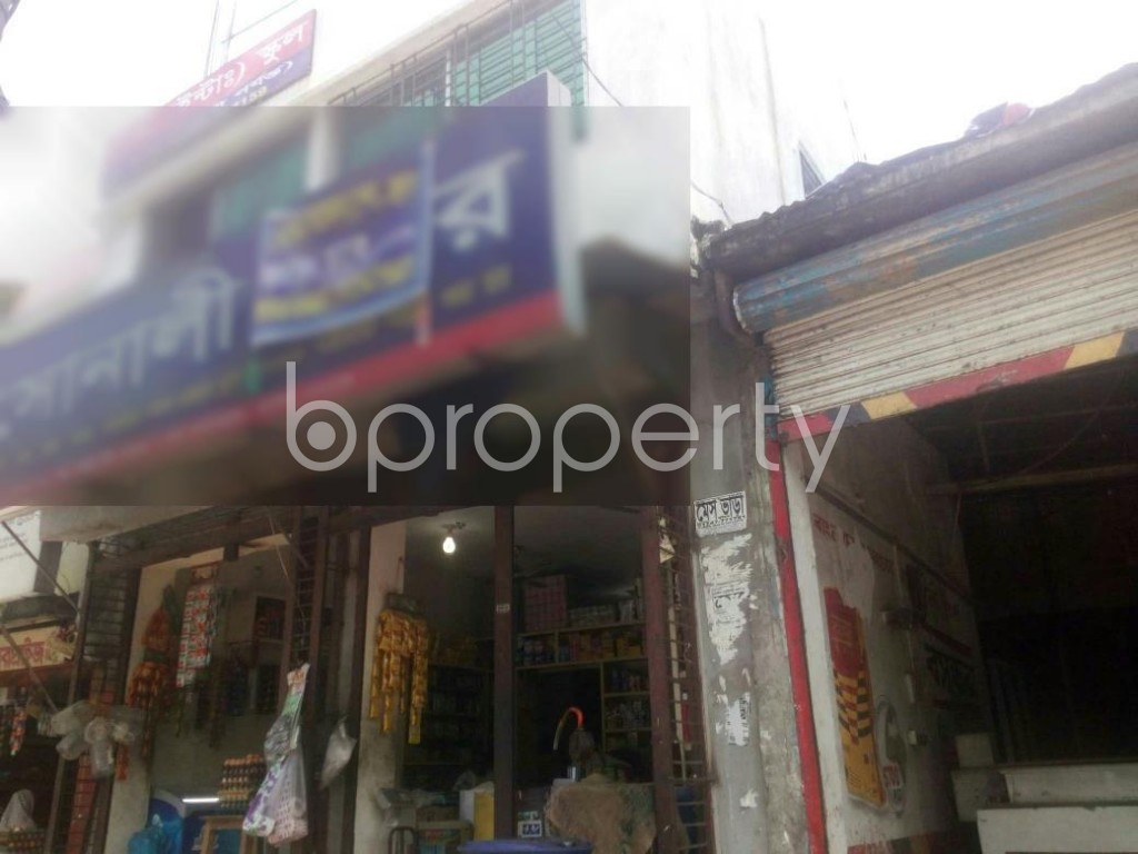 Outside view - Shop to Rent in Rampura, Dhaka - 1902116