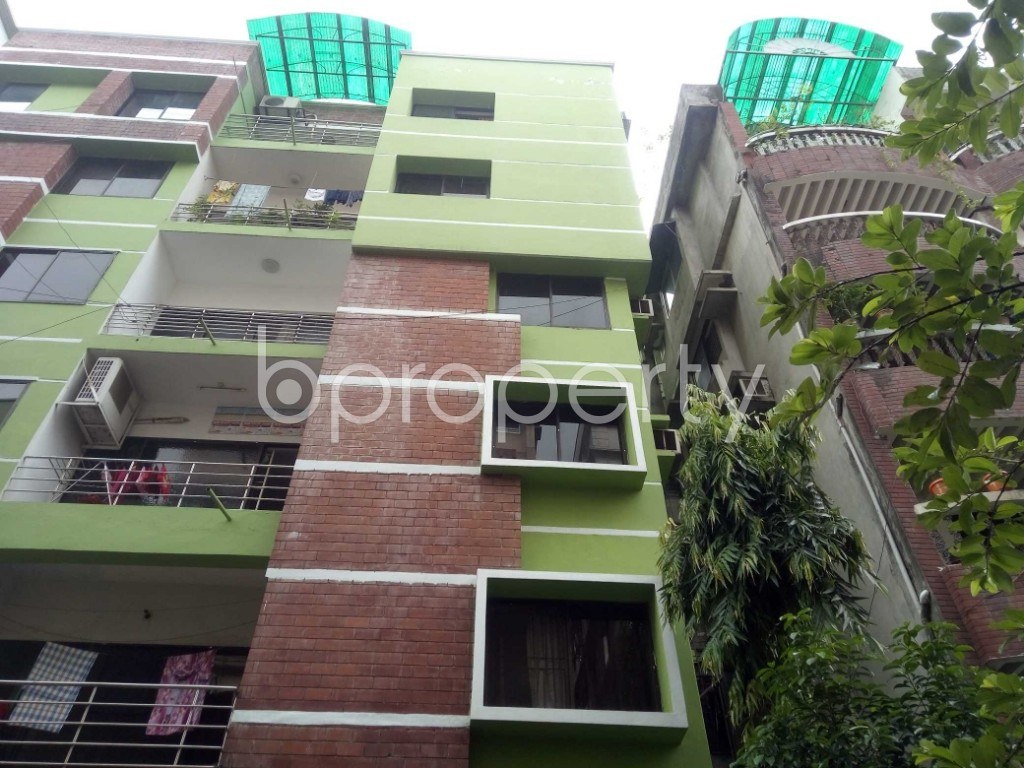 Outside view - 3 Bed Apartment to Rent in Baridhara DOHS, Dhaka - 1902639