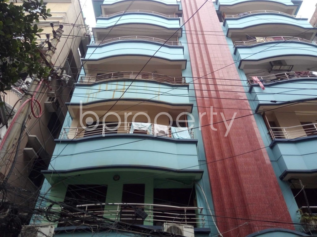 Outside view - 3 Bed Apartment to Rent in Baridhara DOHS, Dhaka - 1902752