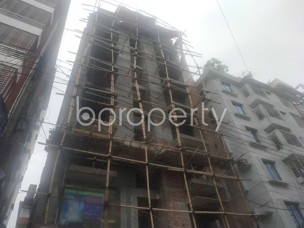 Front view - 3 Bed Apartment for Sale in Bashundhara R-A, Dhaka - 1902786