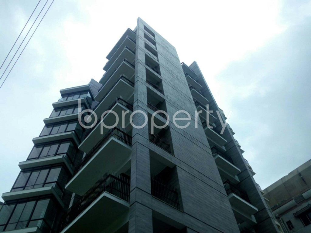 Outside view - 3 Bed Apartment for Sale in Bashundhara R-A, Dhaka - 1902912