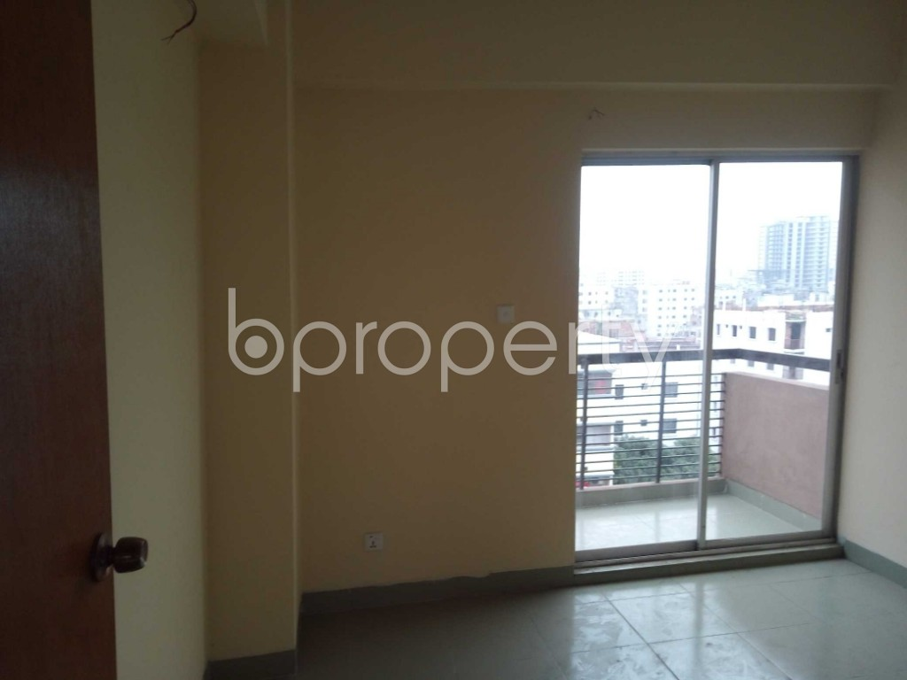 Empty Room - 3 Bed Apartment for Sale in Sutrapur, Dhaka - 1903103