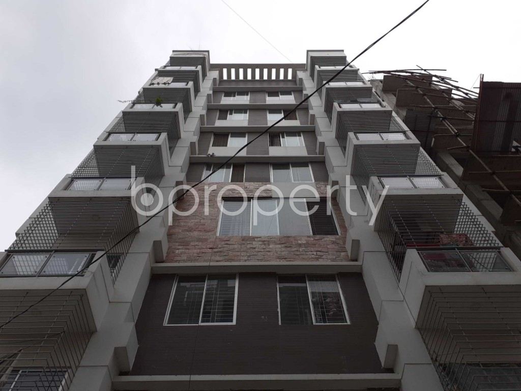 Front view - 3 Bed Apartment to Rent in Bashundhara R-A, Dhaka - 1903225
