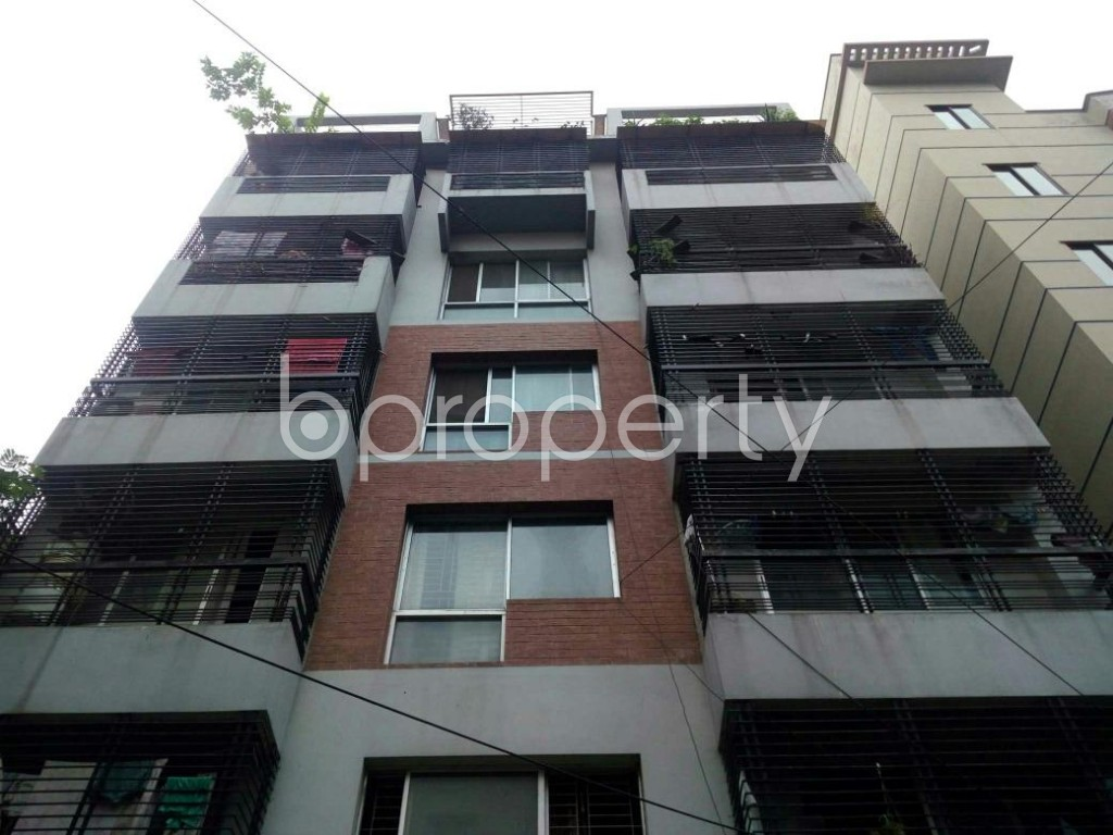 Front view - 2 Bed Apartment to Rent in Bashundhara R-A, Dhaka - 1903363