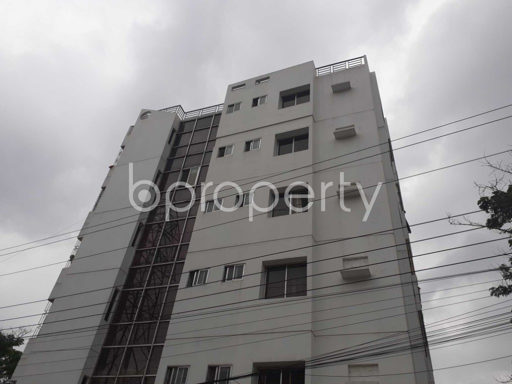 Front view - 3 Bed Apartment to Rent in Bashundhara R-A, Dhaka - 1903428